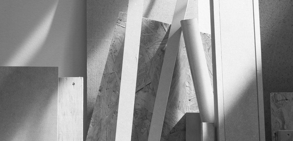 Bildhauerwerkstatt / Holz, Kunststoffe